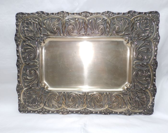 Malde. Hand-engraved silver tray. Spain, 20th century