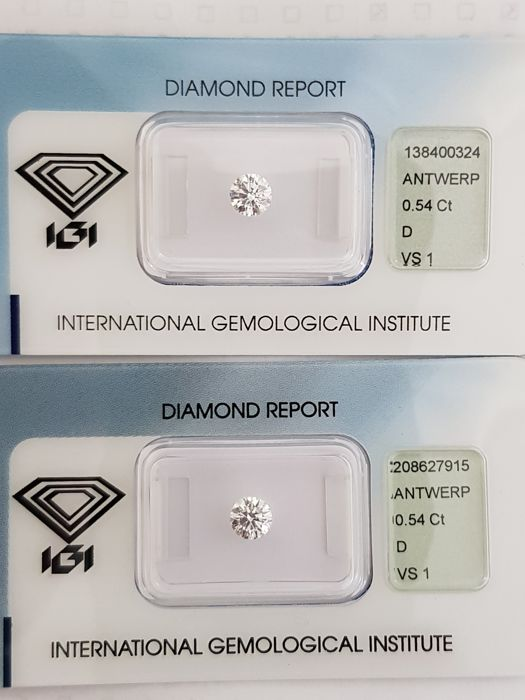 Couple of brilliant cut diamonds, 1.08 ct in total, D VS1