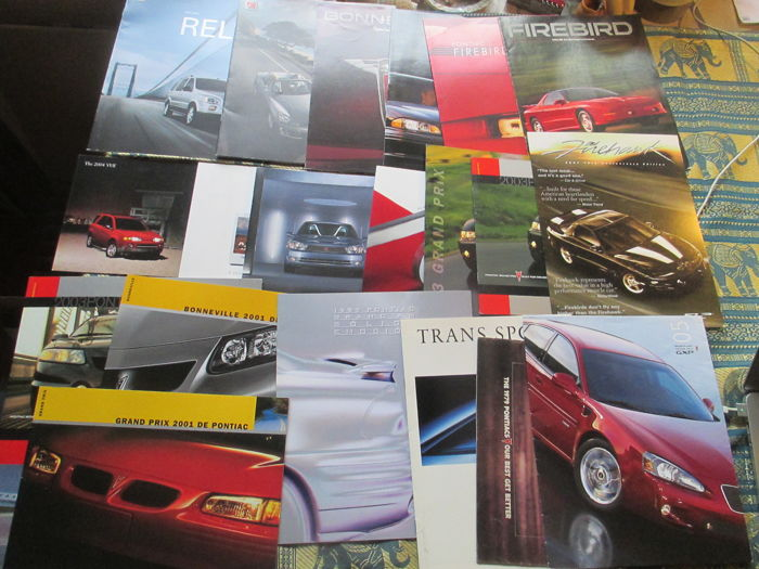 Brochures / Catalogues - Pontiac/Saturn - 2007-1979 (20 objets)