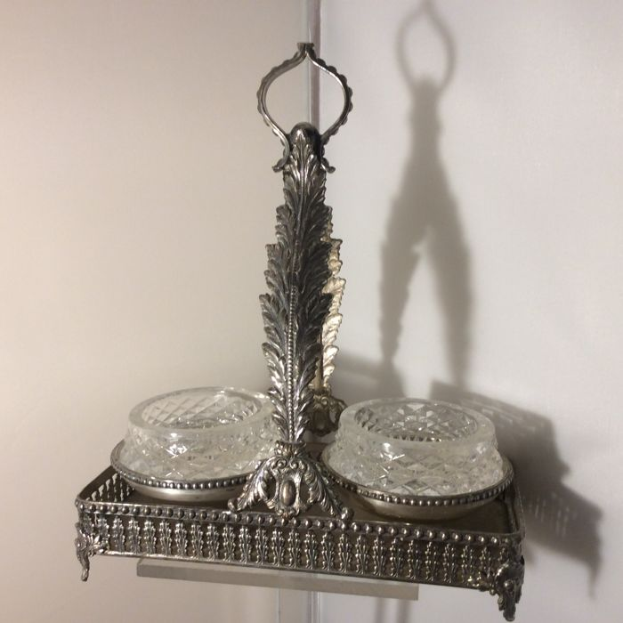 Silver plated holder with two crystal salt cellars, decoration of leaves and pearl rims, Made in Italy, 20th century