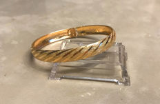 Bangle/bracelet, finely made of 416/10 kt gold, dimensions: approx. 6.5 x 5.5 cm