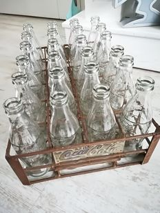 Vintage Coca Cola crate metal + 24 bottles