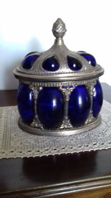 Sheffield silver jeweller box, with rounded insert in solid Cobalt Blue Glass