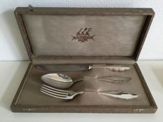 "Wellner - silver plated place setting in cassette, model ""Chippendale"""