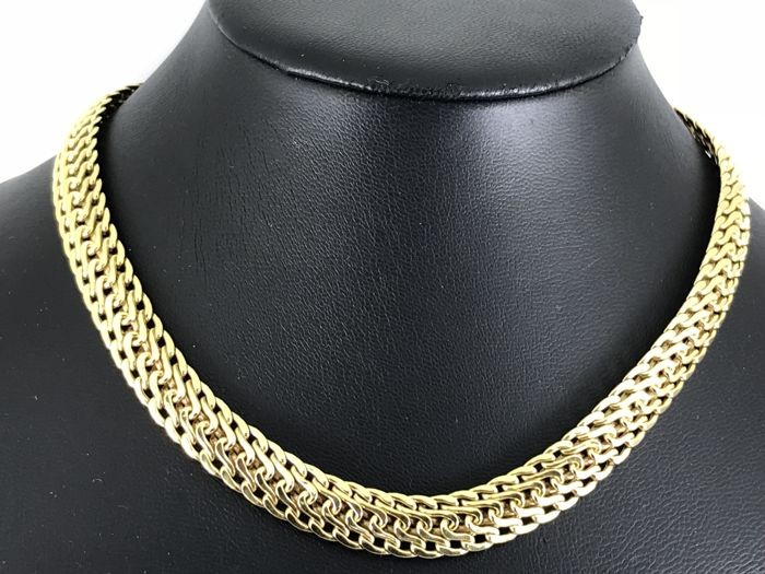 Heavy 18k designed gold necklace size 44cm