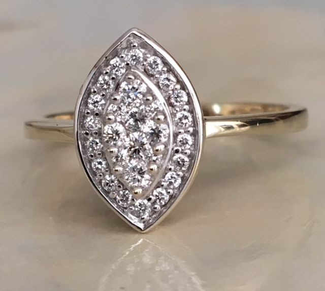 14 kt yellow gold marquise ring set with diamonds of approx. 0.25 ct in quality G/VS/SI