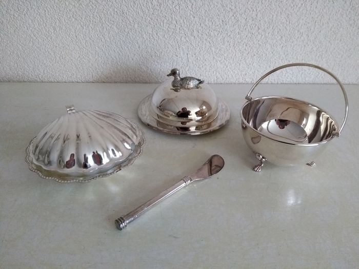 Silver plated caviar-dish, butter dish and handle-bowl