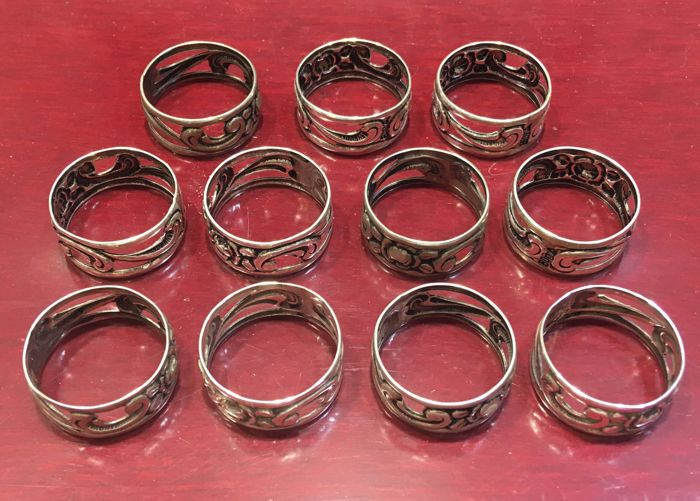 11 napkin rings - 800 silver - antique - total weight: approx. 37.85 g. - ring size.: approx. 69