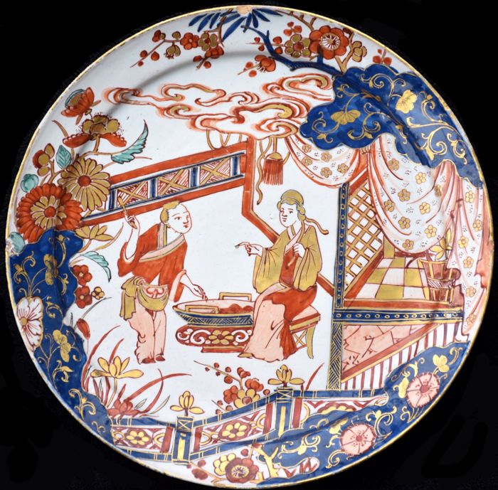 Pieter Kocx, 'De Grieksche A' - An impressive Imari Dutch Delft polychrome and gilt plate - Delft, The Netherlands - circa 1701/1721