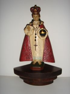Console, wood, consisting of two parts, with statue of infant of Prague