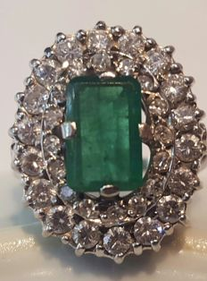 18 kt White Gold - Ring - Emerald and Diamonds - 1.16 ct and 1.11 ct - Size: 18