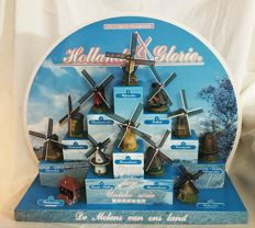 Hollands Glorie, complete miniatures series of 12 Dutch windmills including rare display with Dutch skies