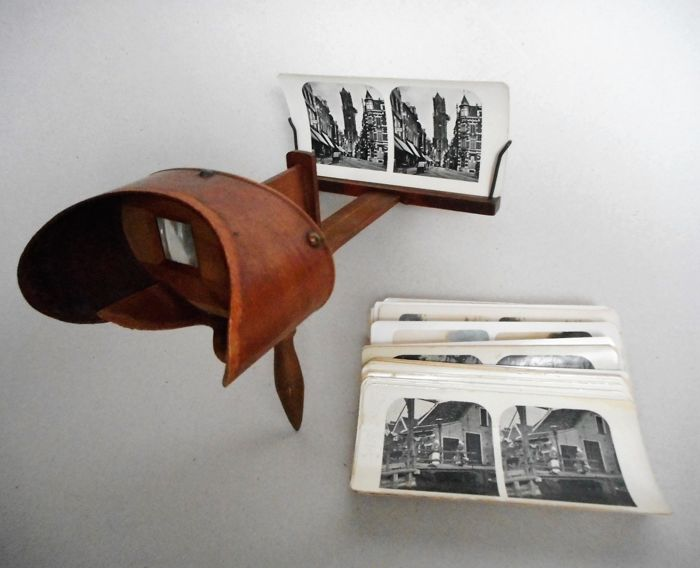 Stereoscope - with wooden cabinet and 38 cards, early 20th century