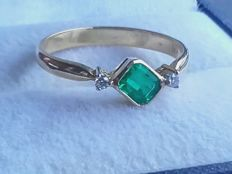 Stylish 14k gold ring with 0.8ct emerald and diamonds 0.02ct, size: 17.40mm/1.95g ***No reserve
