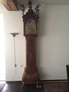 Replica of an Amsterdam grandfather clock in walnut case - signed - Paulus Bramer - around 1900