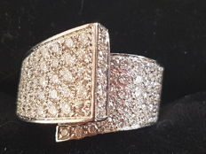 Gold ring by Salvini with diamonds for 3 ct