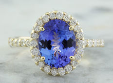 3.24 Carat Tanzanite And Diamond Ring In 14K Solid Yellow Gold - Ring Size: 7 -  No Reserve; Free Resizing