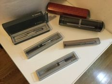 lot of 5 1970s Parker pens in box