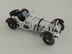 Paul's Model Art-Minichamps - Scale 1/24 - Mercedes SSKL - Winner Mille Miglia 1931 - R. Caracciola.