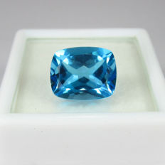5.02 Ct - Blue Topaz - No reserve price