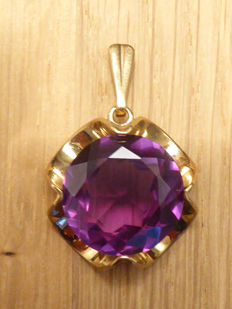 Art Deco - Pendant with a 1.6 cm, facet cut, colour-changing stone - presumably synthetic - 333