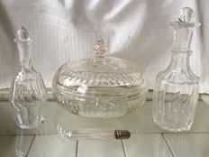 Antique crystal hairdressers dressing table consisting of 2 antique apothecary jars, a cottonball holder and an antique bottle with a silver cap and a bone dispenser