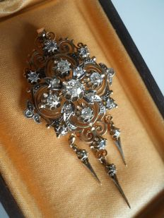 Antique gold pendant/brooch with old cut Diamonds, ca. second part of 19' th century