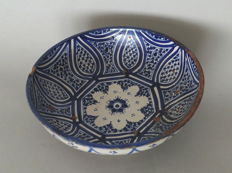 Ceramic dish - Fez, Morocco - End of 19th century (29 cm)
