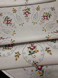 Vintage handcrafted Italian tablecloth 1970s
