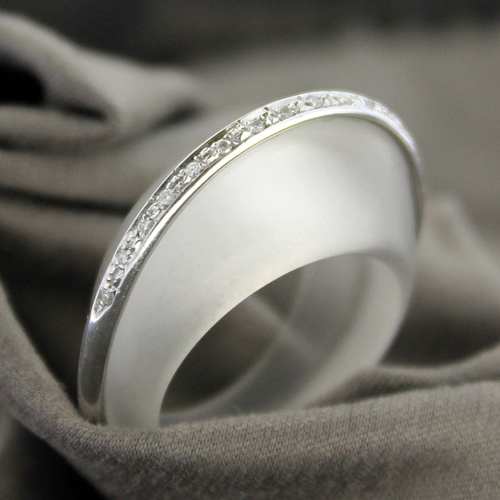 ring in rock crystal white gold and diamonds catawiki