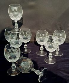 Set of nine diamond-chiselled crystal chalices