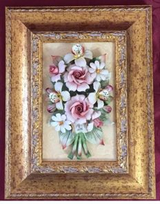 Set of 2 Capodimonte Porcelain Classic Paintings, 33x27 cm, composed of Roses and Mixed Flowers