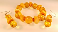 Vintage set of Baltic Amber bracelet and earrings honey colour, with silver 925 hooks,  45 grams