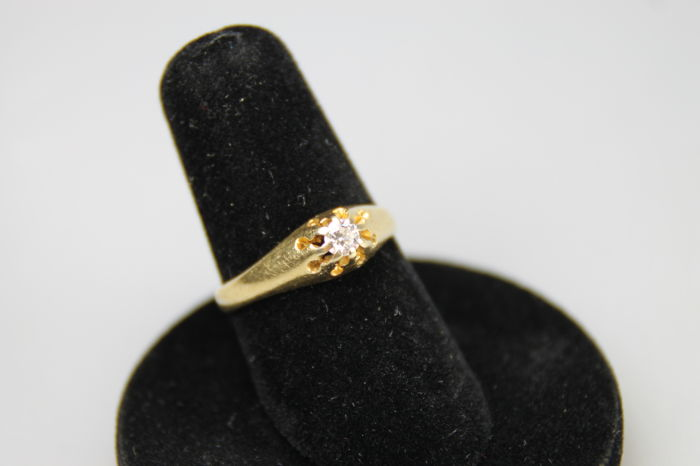 14 krt  gouden diamant ring tot ca. 0.10 ct G VVS- maat 17 mm
