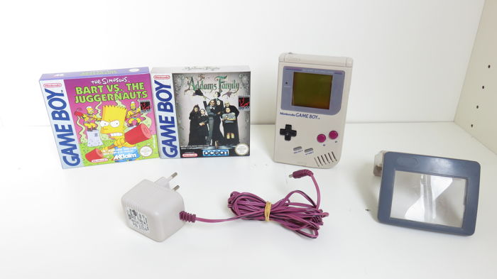 Game Boy DMG with 2 games in box and some accessoiries