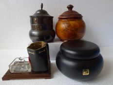 Lot with tobacco jars various materials - copper, wood, leather and ceramics