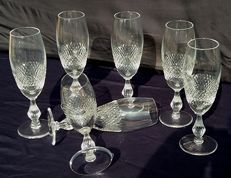 Set of seven diamond-chiselled flute chalices