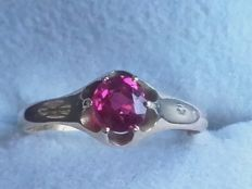 Beatiful 18k gold ring with 0,66 natural ct ruby, year 1928, size 18.20mm/ 2.3g***no reserve