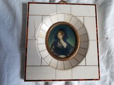 Miniature portrait in an ivory frame - signed - France - ca. 1900-1920