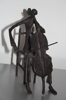 In the taste of Giacometti - sculpture  'violoncelliste jouant assis' - 20th century