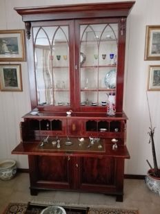 Inlaid mahogany bookcase / display cabinet in Georgian style - England, 20th century