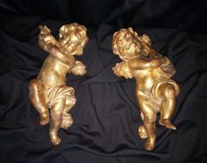Pair of musician Angels carved in pinewood and covered in gold leaf - Venetian origin - 19th century