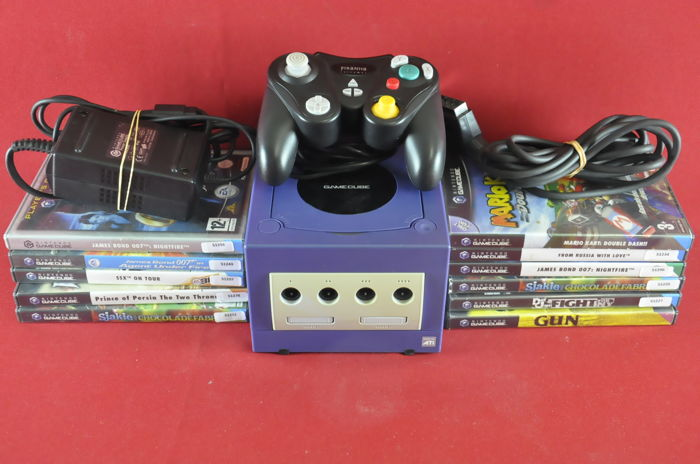 Nintendo Gamecube with 11 games like Mario Kart Double Dash. James Bond Nightfire, Prince of Persia and More