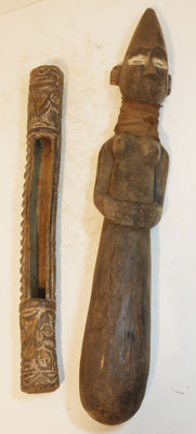 From collector's estate - 2 items Old rare, large bar figure, - Dogon - Burkina Faso, old - rattle - Luba - DR Congo - Africa