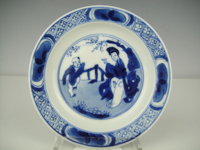 Porcelain saucer - China - 18th century (Chenghua marked)