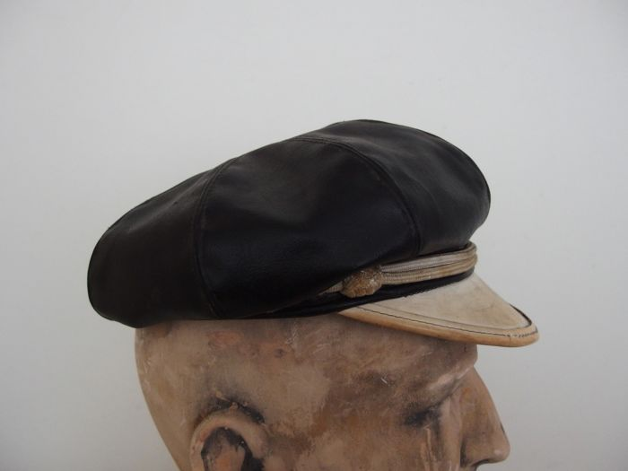 e8f5cd586eccd Harley Davidson jacket - size L + leather Road Captain Cap from the 1940s