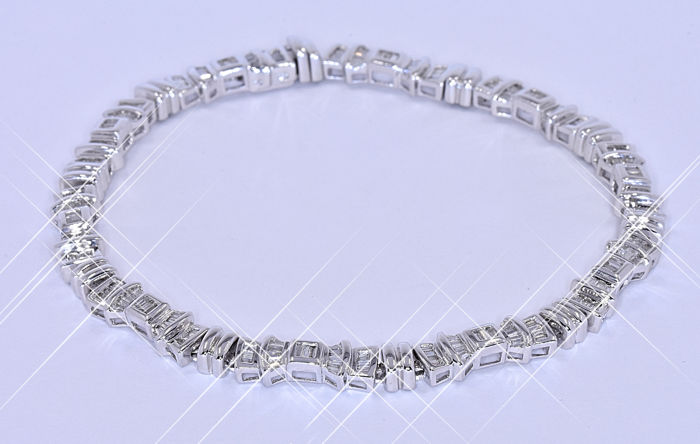3.26 Ct Diamond bracelet NO reserve price!