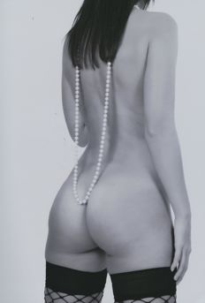 Photo; Andreas Keck - Beauty With Pearls - 2017
