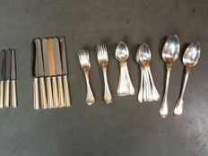 Christofle Art Deco cutlery set model Chinon, 35 pieces, France, 1878-1899