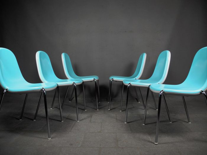 Karim Rashid for Magis - Set of 6 Butterfly Chairs (lot 1)